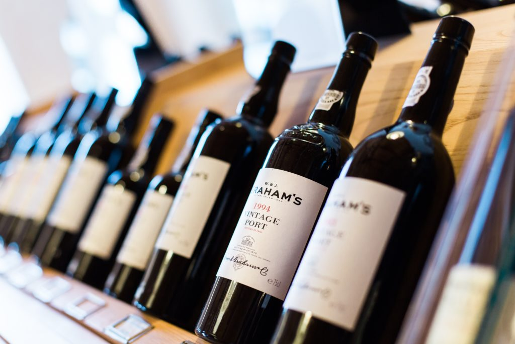 6 Tips for Gifting Wine